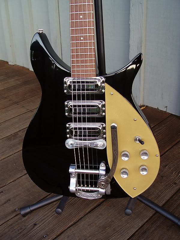 NOTE BIGSBY HAS NO BLACK HIGHLIGHT PAINT AROUND LOGO