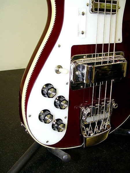1972 LEFT-HANDED 4001 IN BURGUNDYGLO FINISH