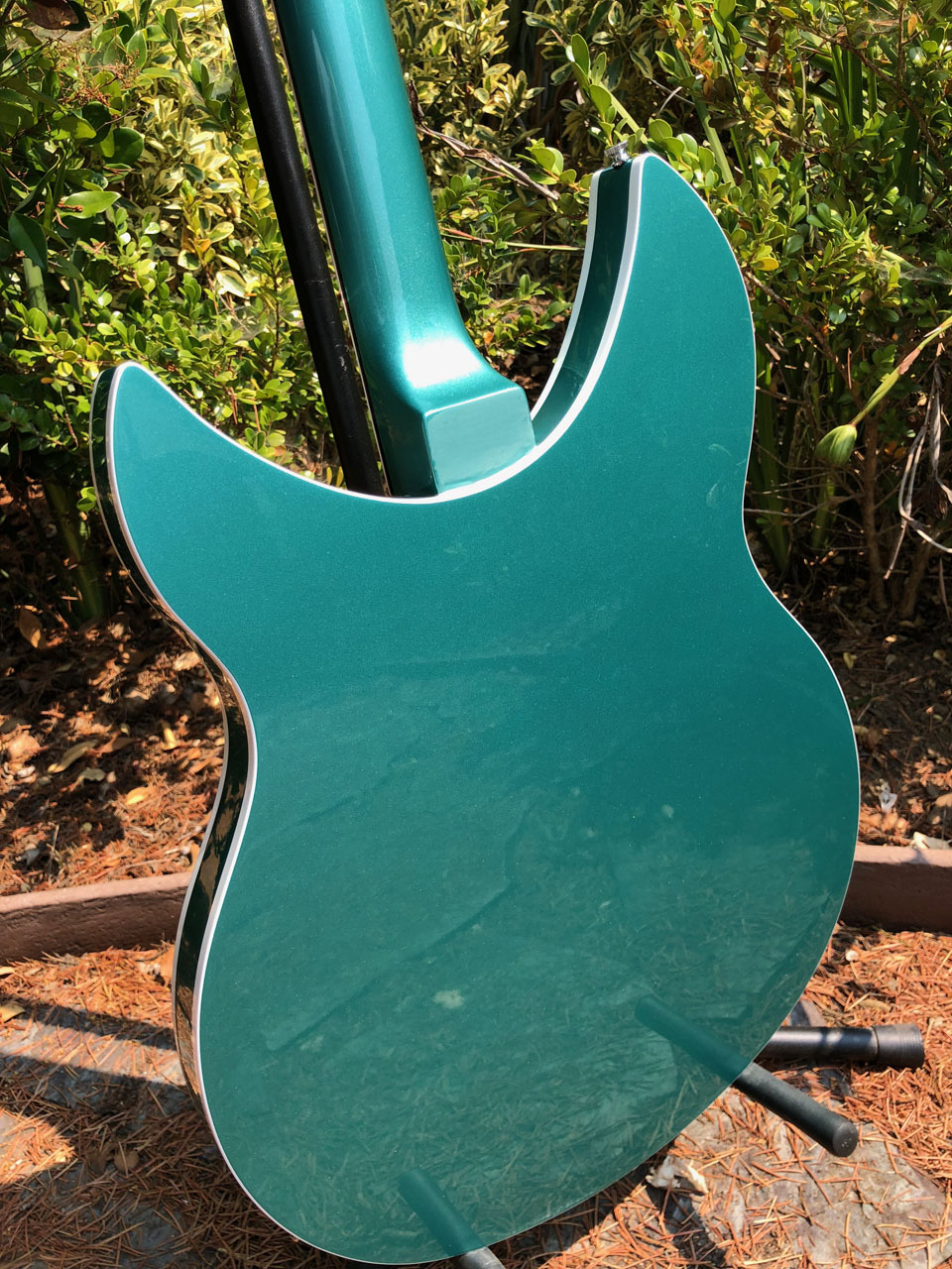 TURQUOISE PEARLESCENT FINISH HAS MIRROR GLOSS