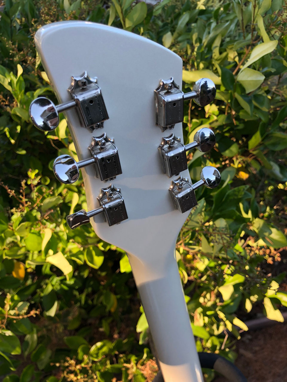 HEADSTOCK WAS NARROWED TO 1970 WIDTH, FITTED WITH VINTAGE TUNERS