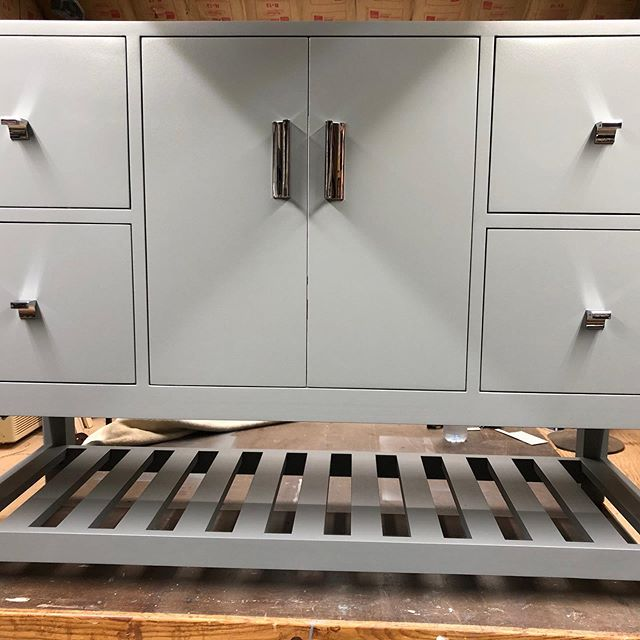 Finished up a vanity build for a client. #b2designwp #custommade #easttennessee #knoxvilletennessee #powelltennessee #customvanity #vanity #bathroomvanity