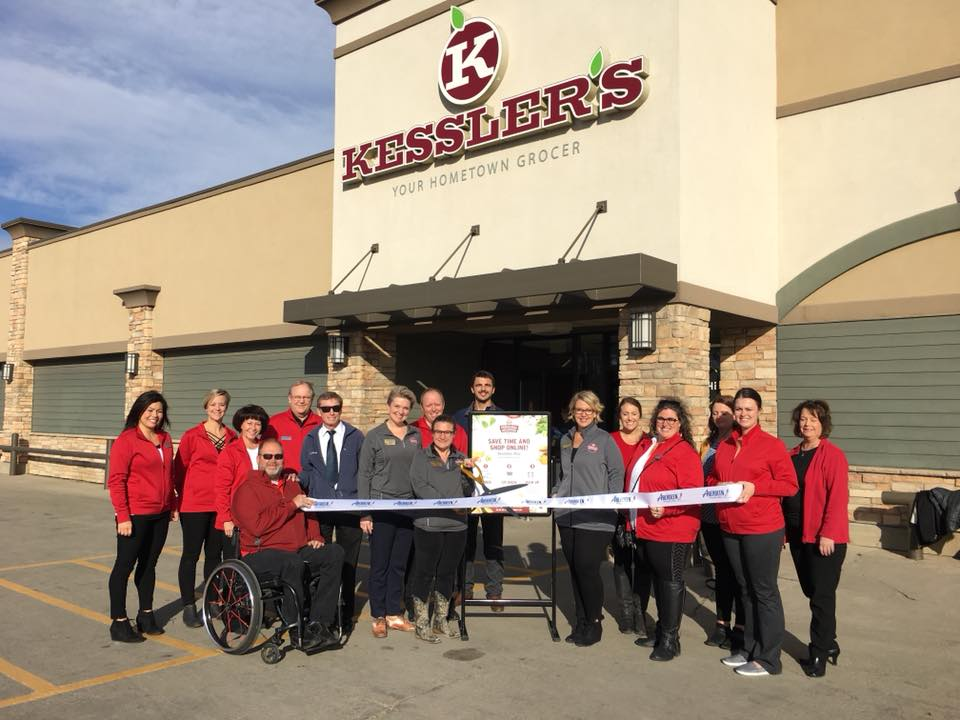 Kessler's celebrates their new Personal Shopping service with a ribbon cutting accompanied by the Aberdeen Area Chamber of Commerce and Mayor Mike Levsen.   Source: Kessler's Food & Liquor