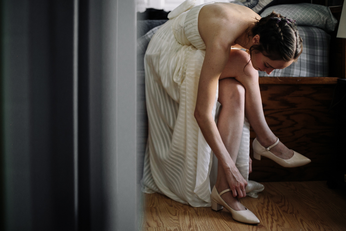 Dancer Bride Gets ready