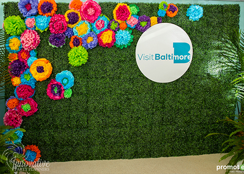 Boxwood Wall_1_Original Construction_by Innovative Party Planners.jpg