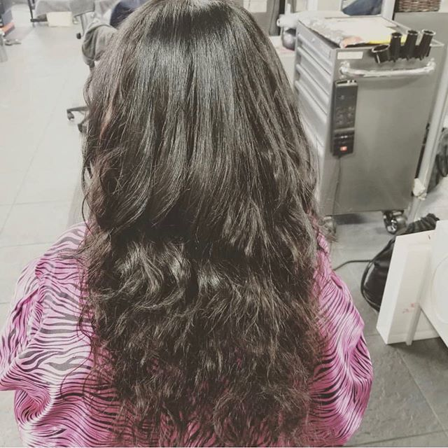 Flawless full sew in weave with wavy hair 😍 by Mia Stevenson