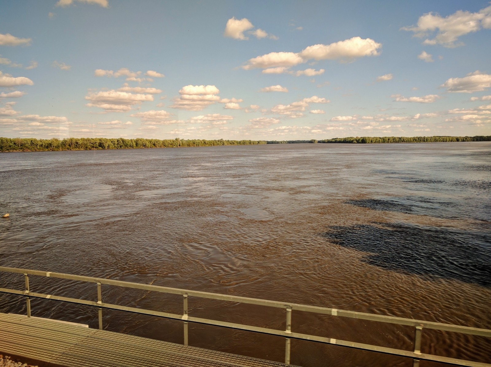 The mighty Mississippi between Gulf Port - Illinois, and Burlington - Iowa