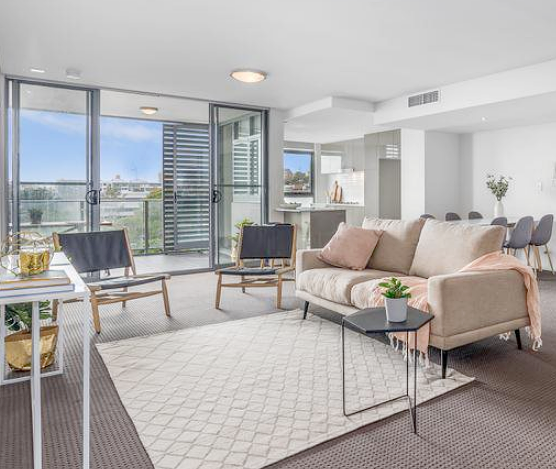 "WHARF ROad3 bedroom apartment  - Testimonial -""Stage One were flexible with their service and very professional throughout. We believe the staging made our property more desirable to each buyer which contributed to a successful result."" - Christopher"