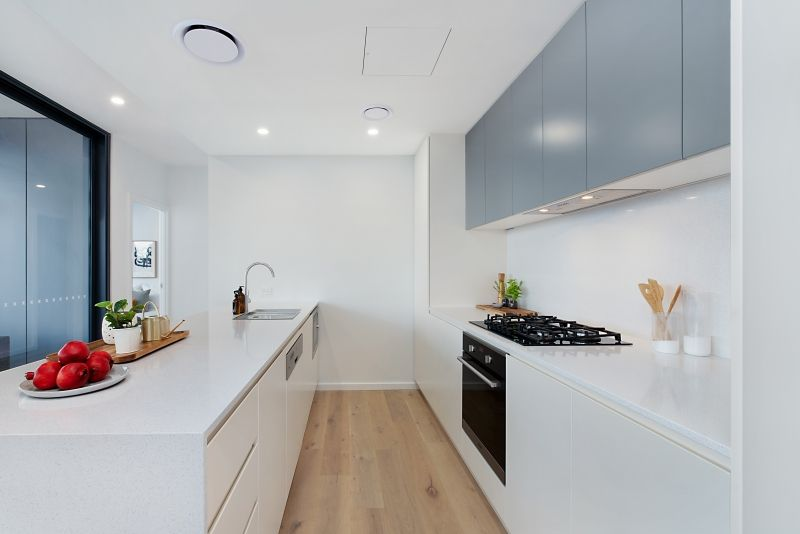 Staging plays a vital role to achieve a swift sale!PENTHOUSE APARTMENTKING ST styling installed 02.05.2019sold 7 days later - May 2019