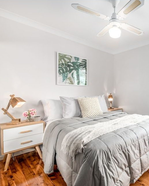 SOLD | Coal Point the first agent's price GUIDE: $450K to $490kanother agent inspected the property and suggested a new approach.. with a fresh marketing plan including property styling the property sold in three weeks for: $552k -