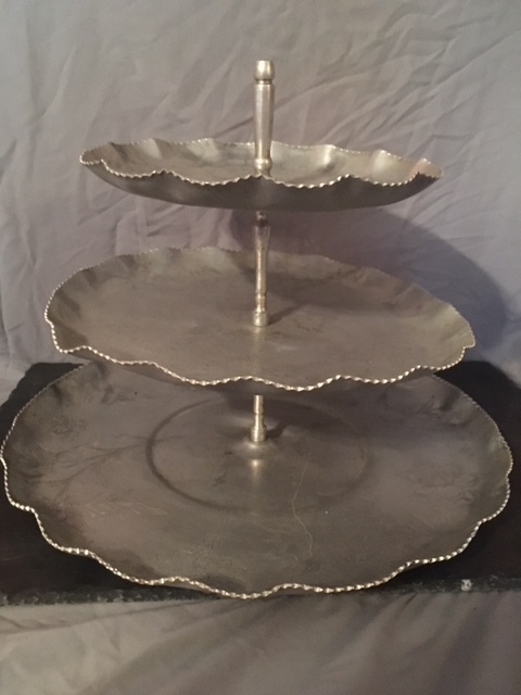 Vintage Cupcake Stand (qty: 1)