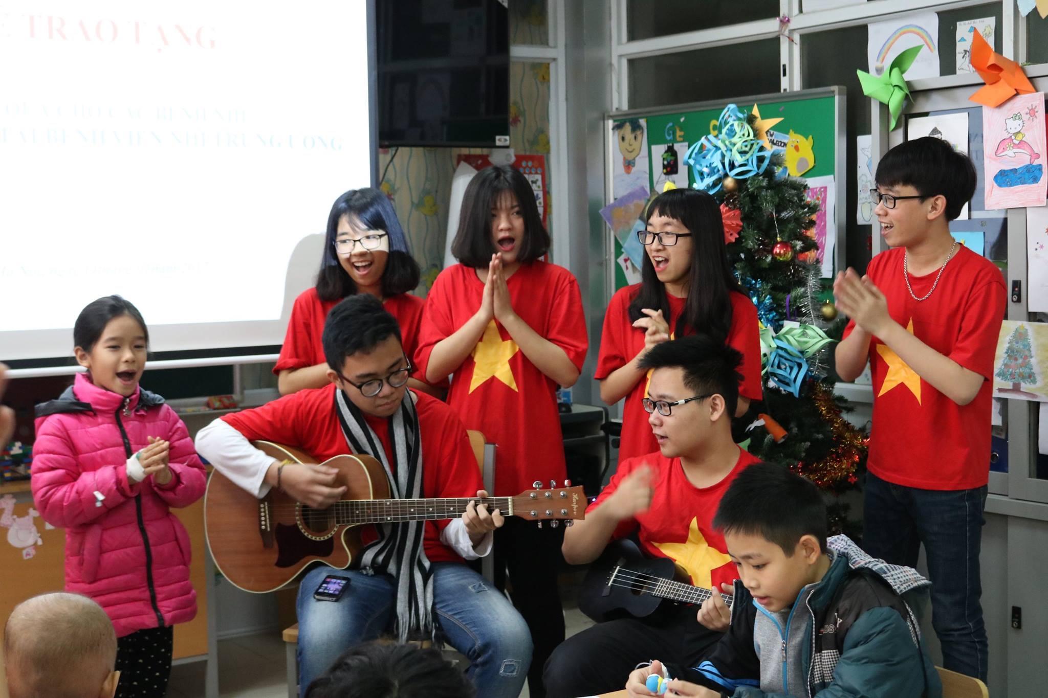 VNCH Singing.jpg