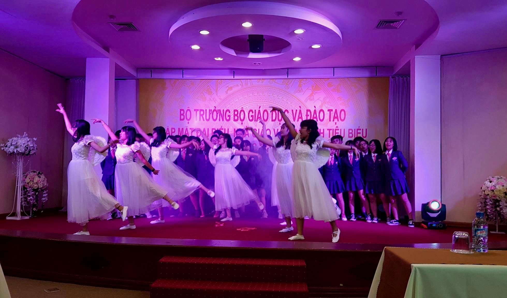 TH Angels Dancing.jpg