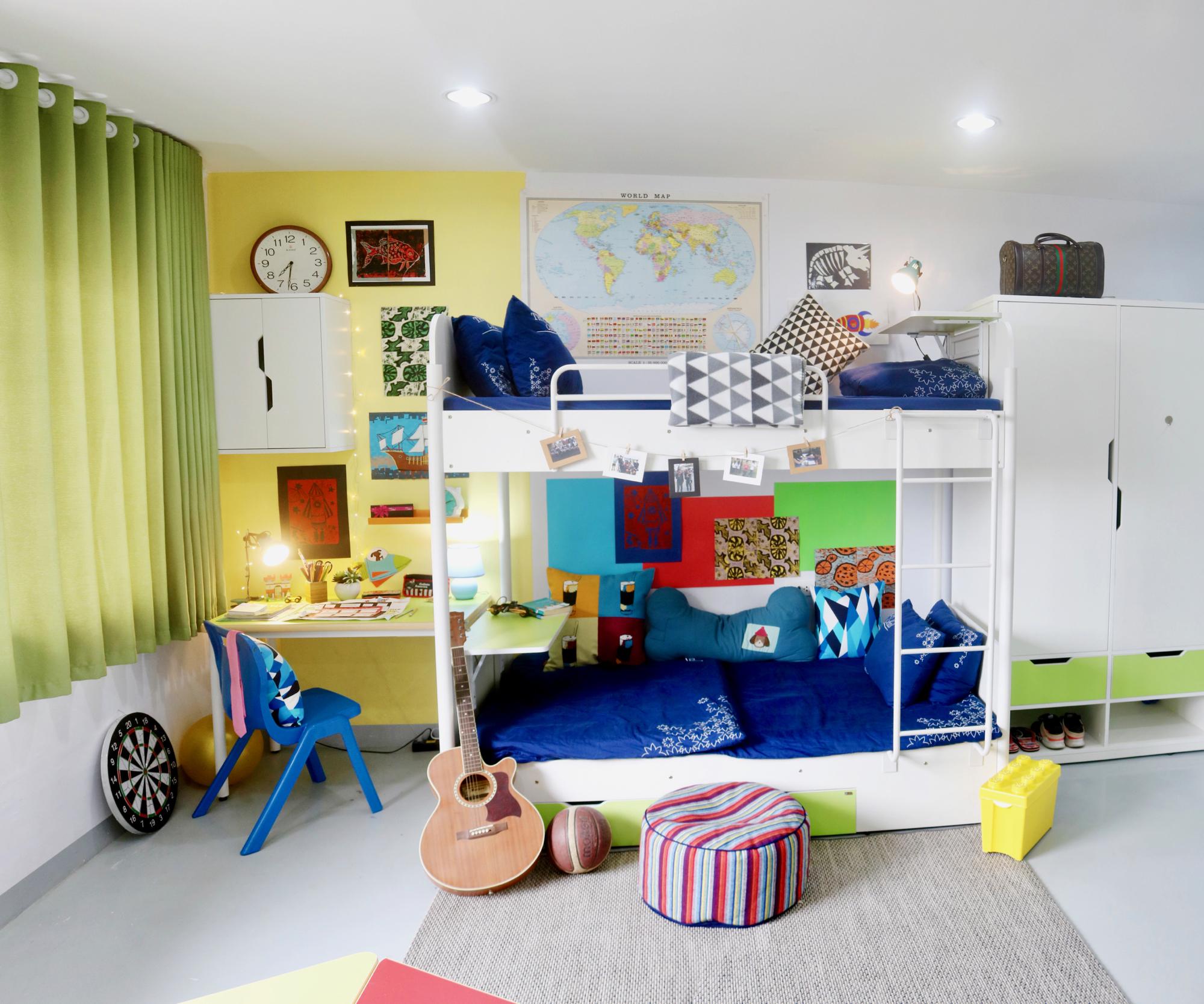Boys dorm room.jpg