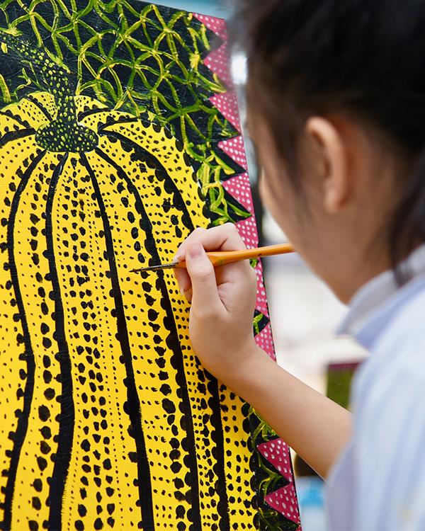 Painting Kusama.jpg