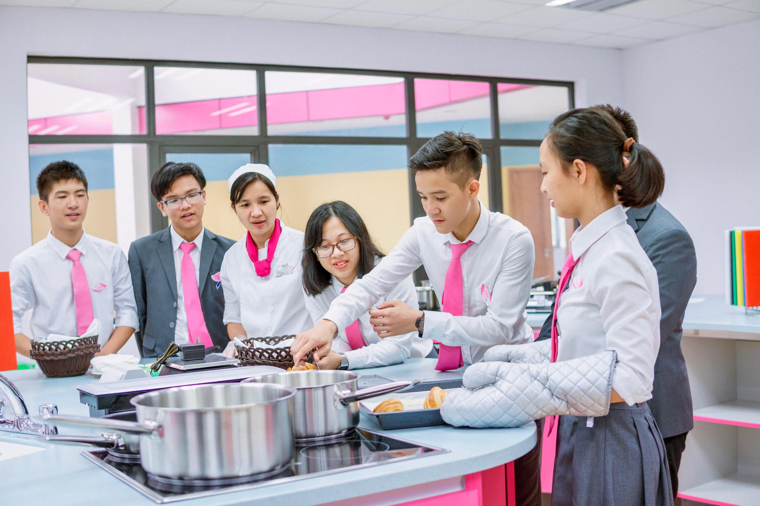 Cooking ECA group.jpg