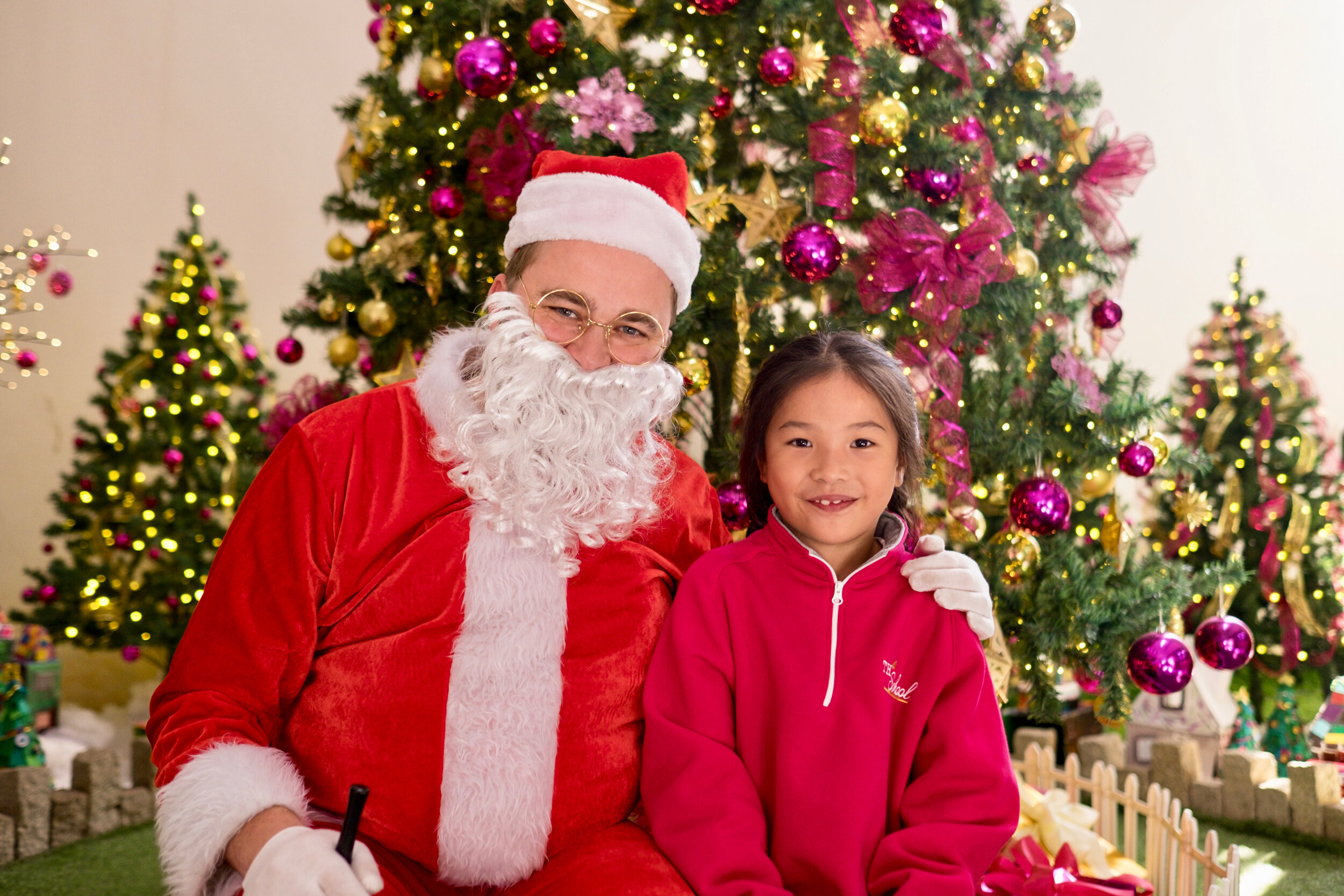 Photoshoot with Santa Clause-522.jpg