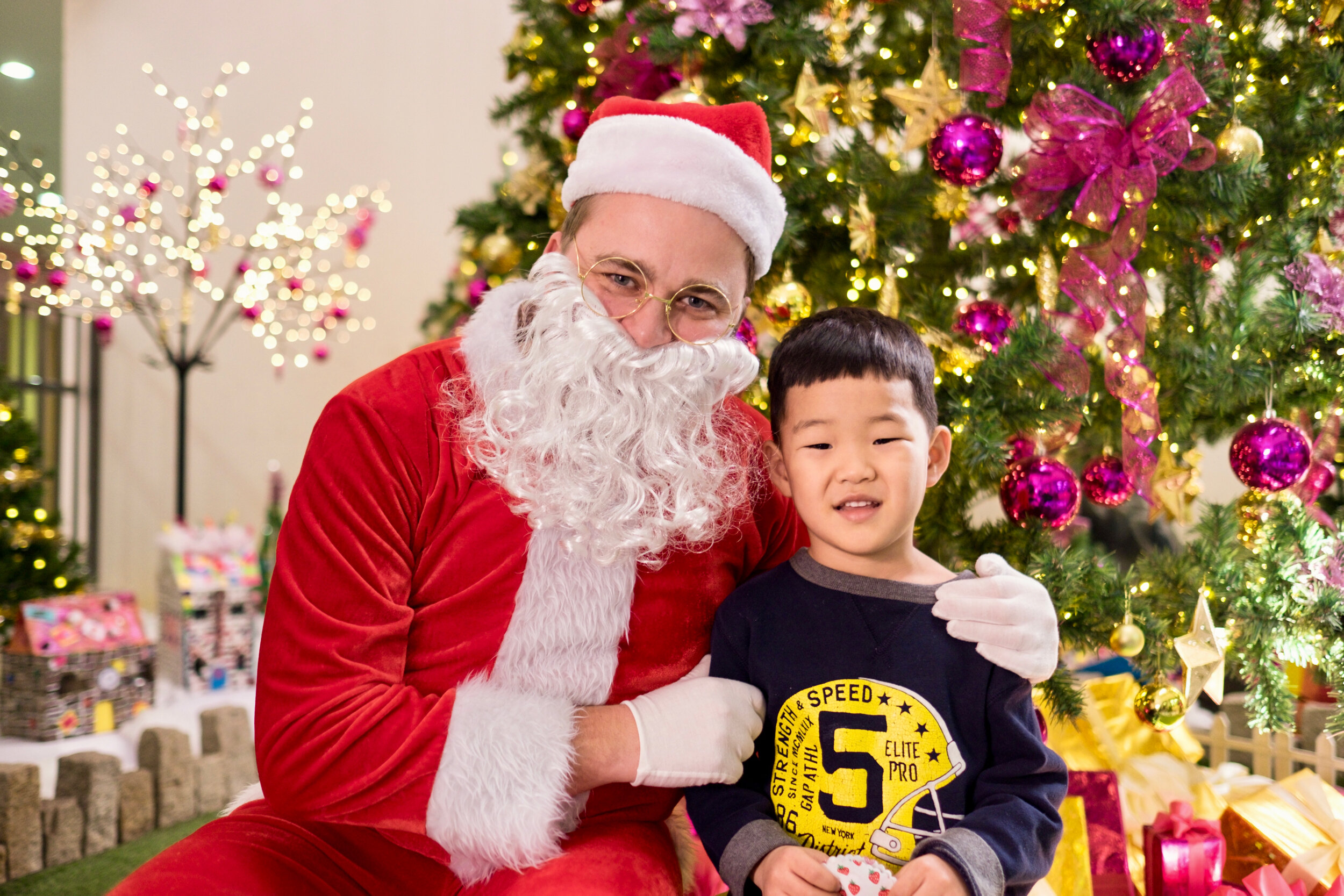 Photoshoot with Santa Clause-722.jpg