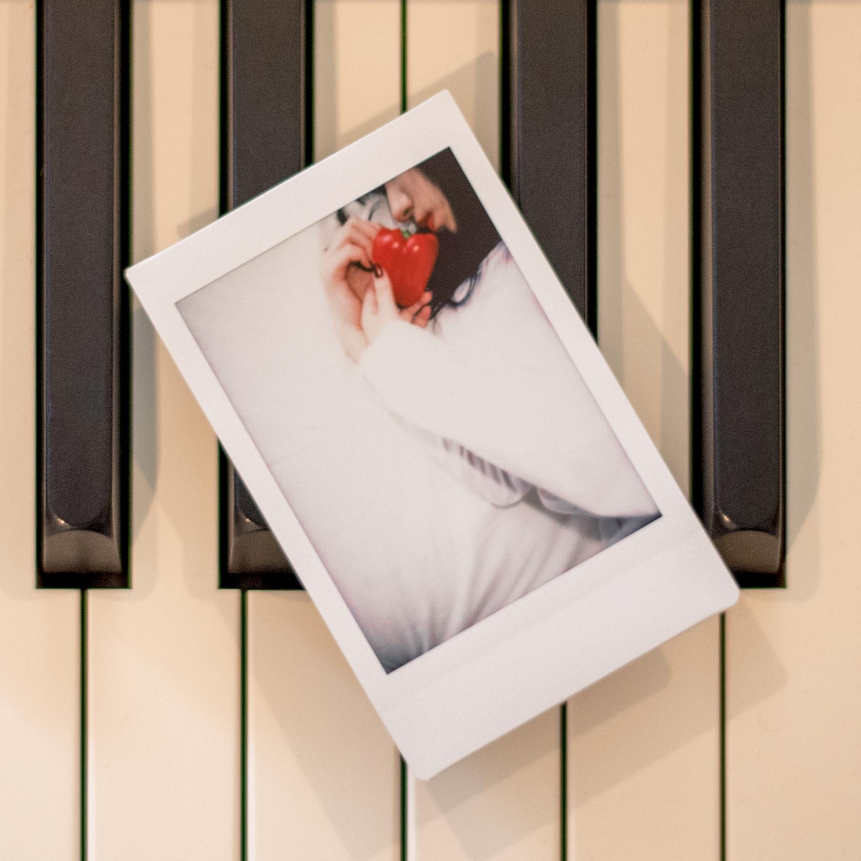 digital single  |  Tell Me Baby / ブラザーズ