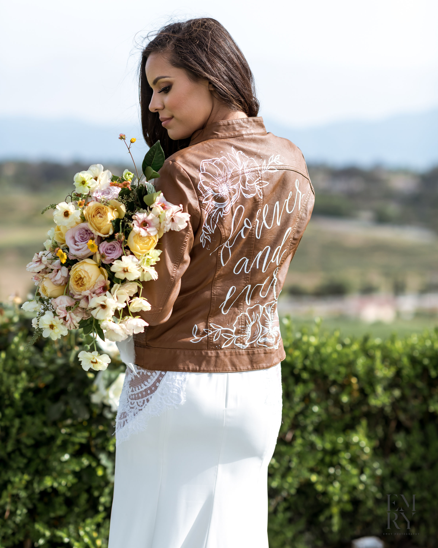 bride_handpainted_jacket_weddingjacket_calligraphy.jpg