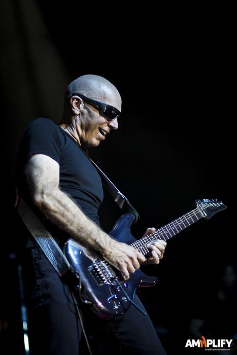 Joe Satriani 8.jpg