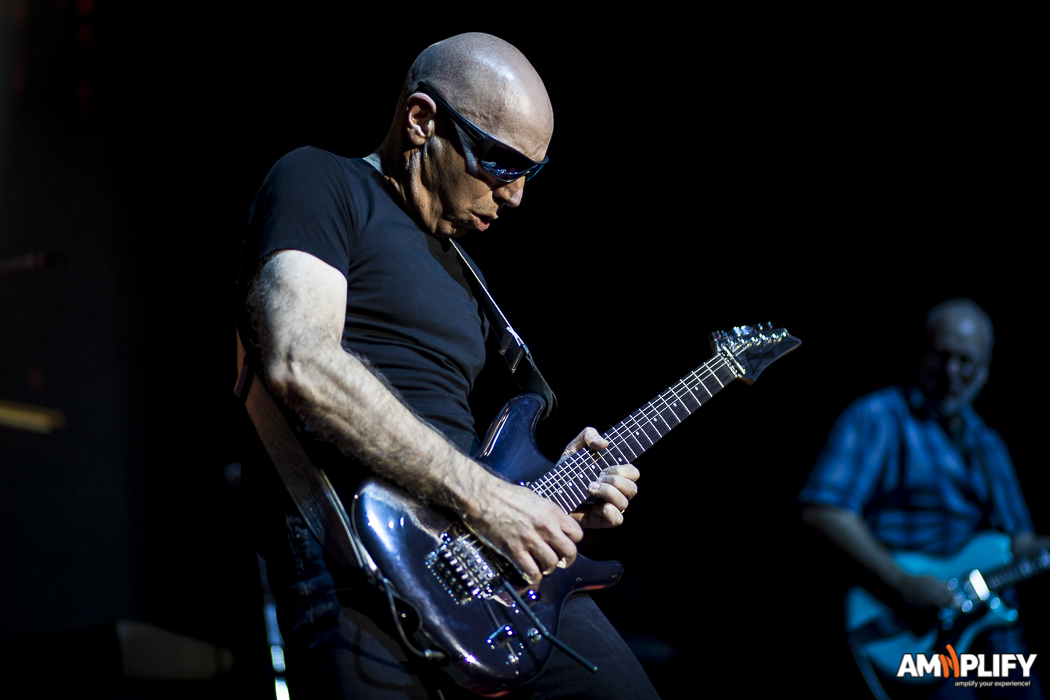 Joe Satriani 9.jpg