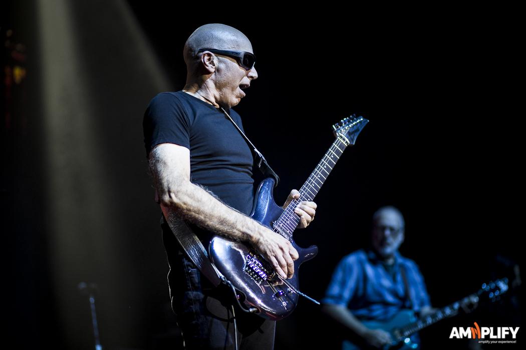 Joe Satriani 10.jpg
