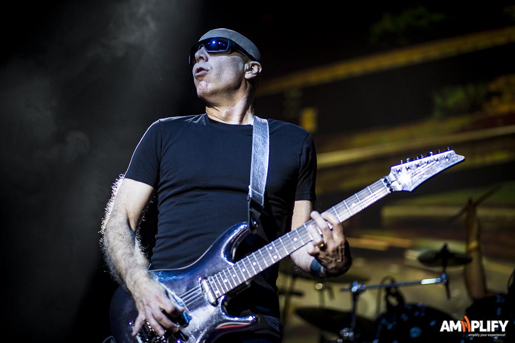 Joe Satriani 19.jpg