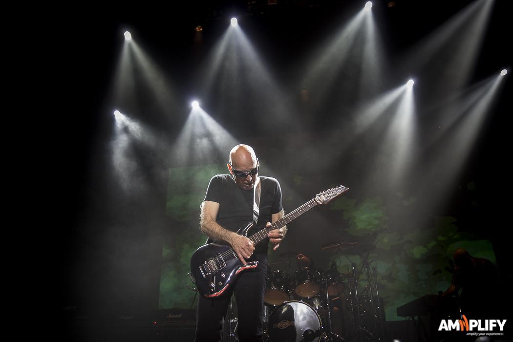 Joe Satriani 28.jpg