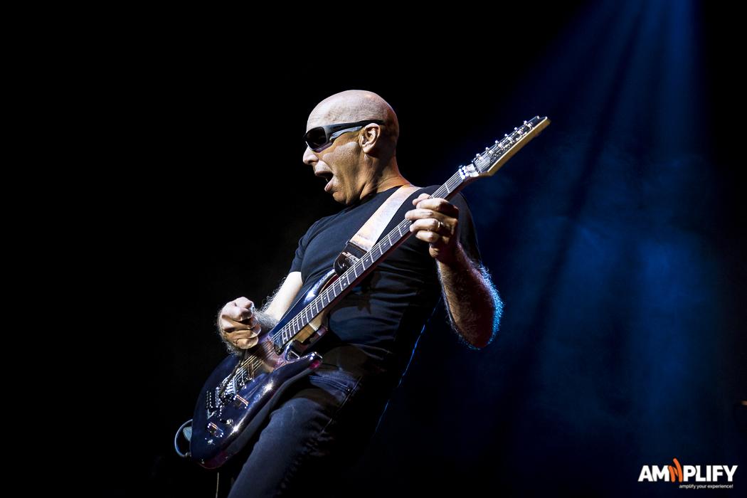 Joe Satriani 36.jpg