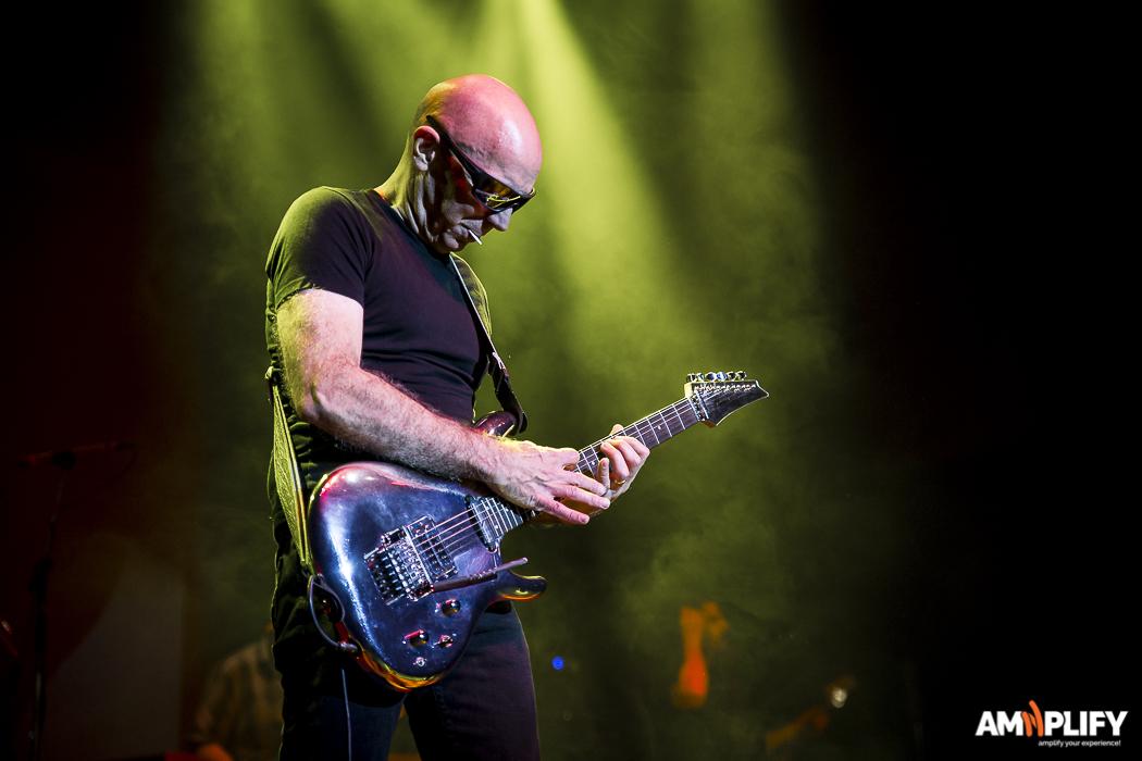 Joe Satriani 38.jpg
