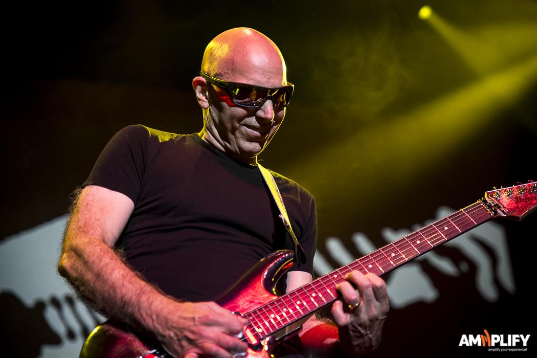 Joe Satriani 40.jpg