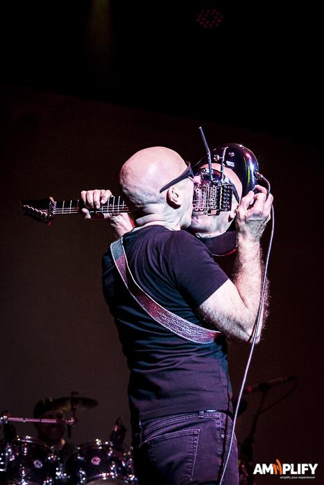 Joe Satriani 45.jpg