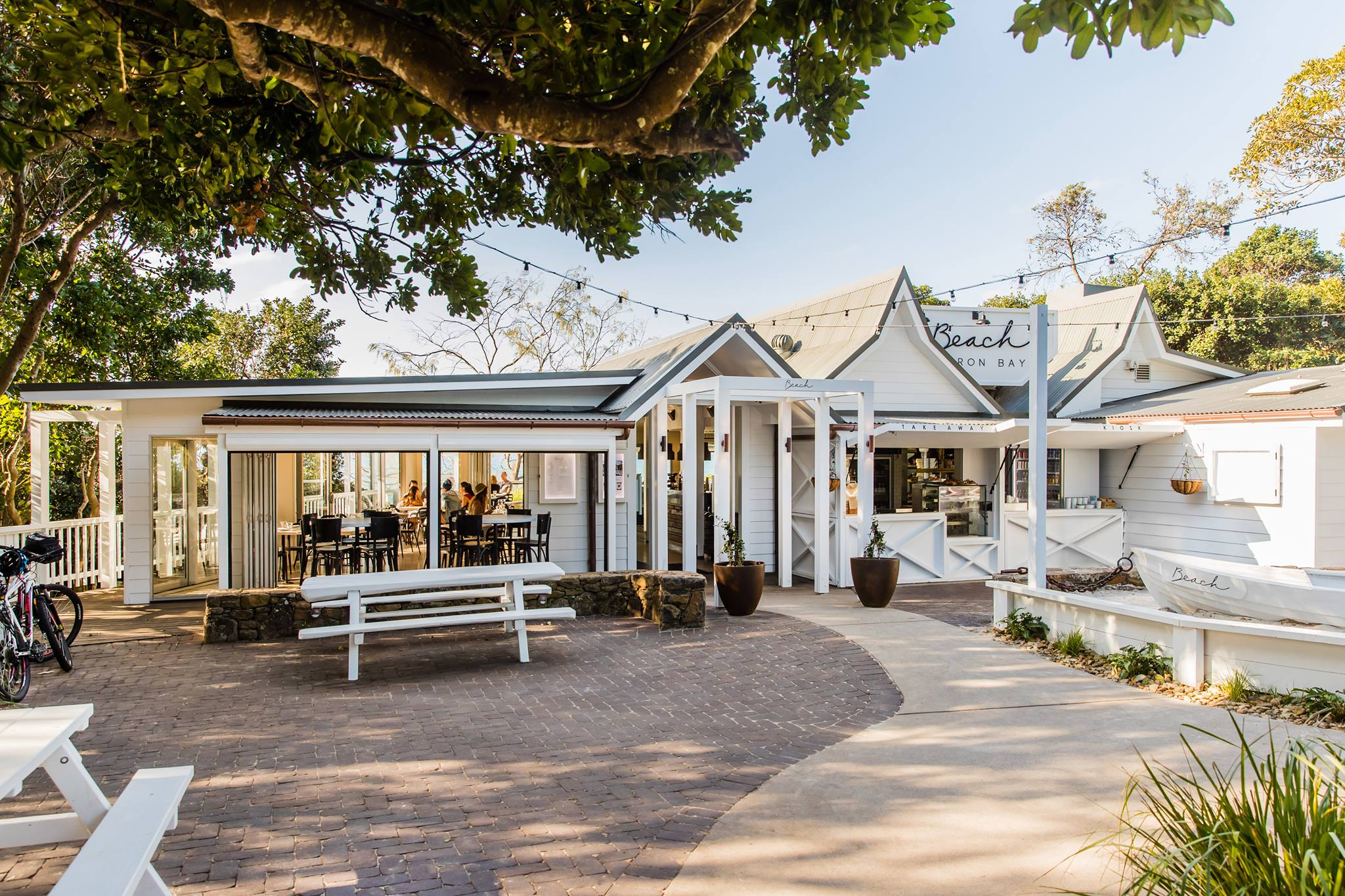 Beach-Cafe-Byron-Bay