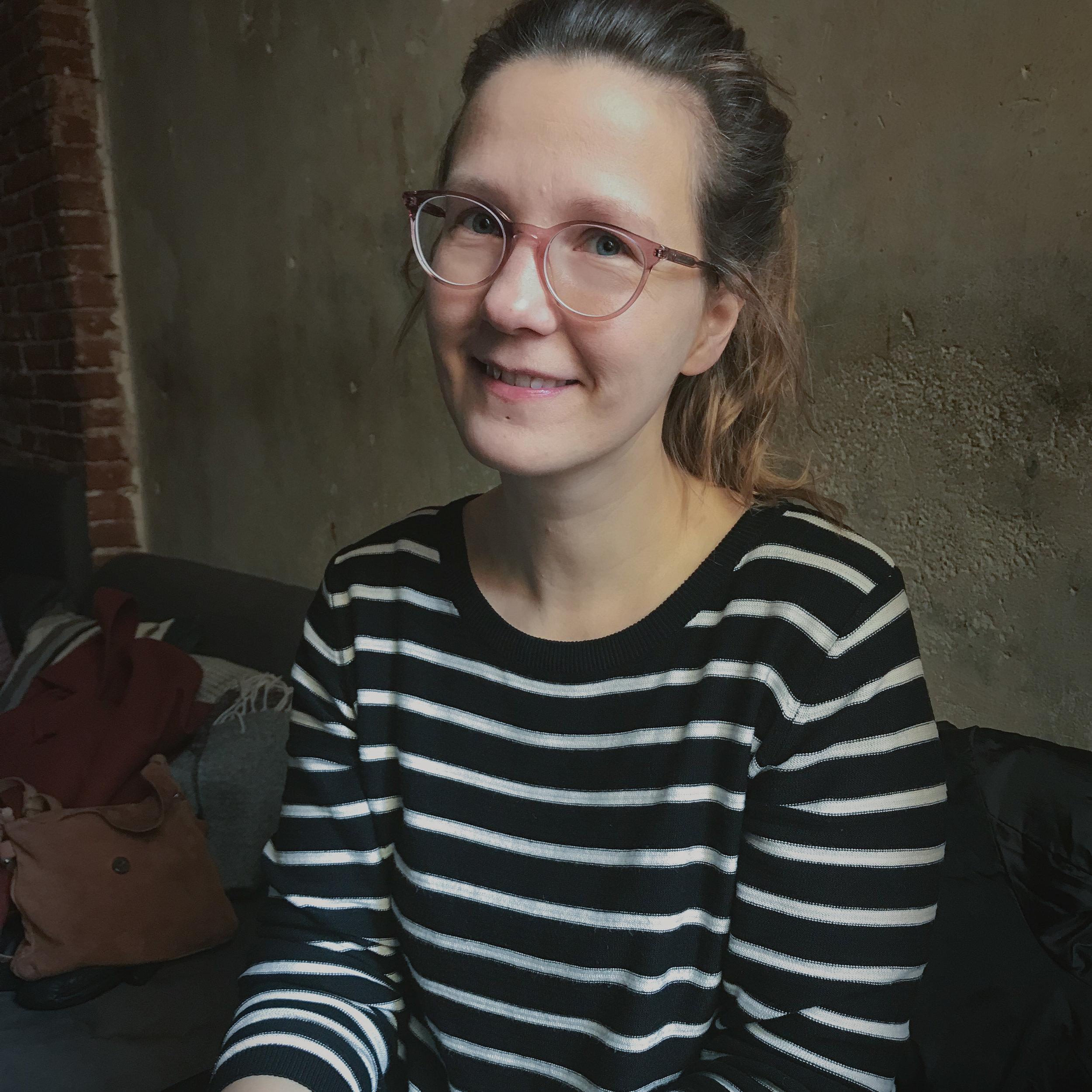 """Mirjam Kilter - Hamburg""""Mindful Blogging bedeutet für mich, mit offenen Augen und offenem Herzen durch die Welt zu gehen, um die schönen Dinge wahrzunehmen und authentisch in einem Bild einzufangen.""""Freesendeern"""