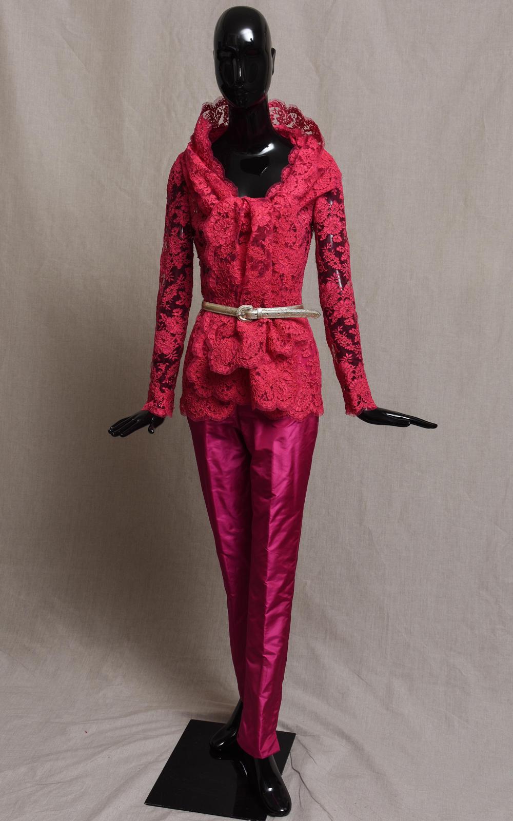 PLAZA cardigan & CAPRI trousers