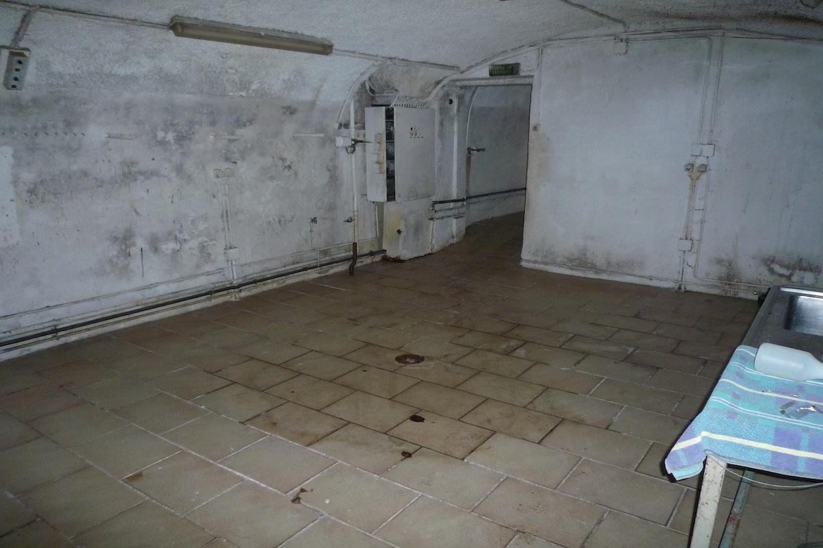 middle cellar