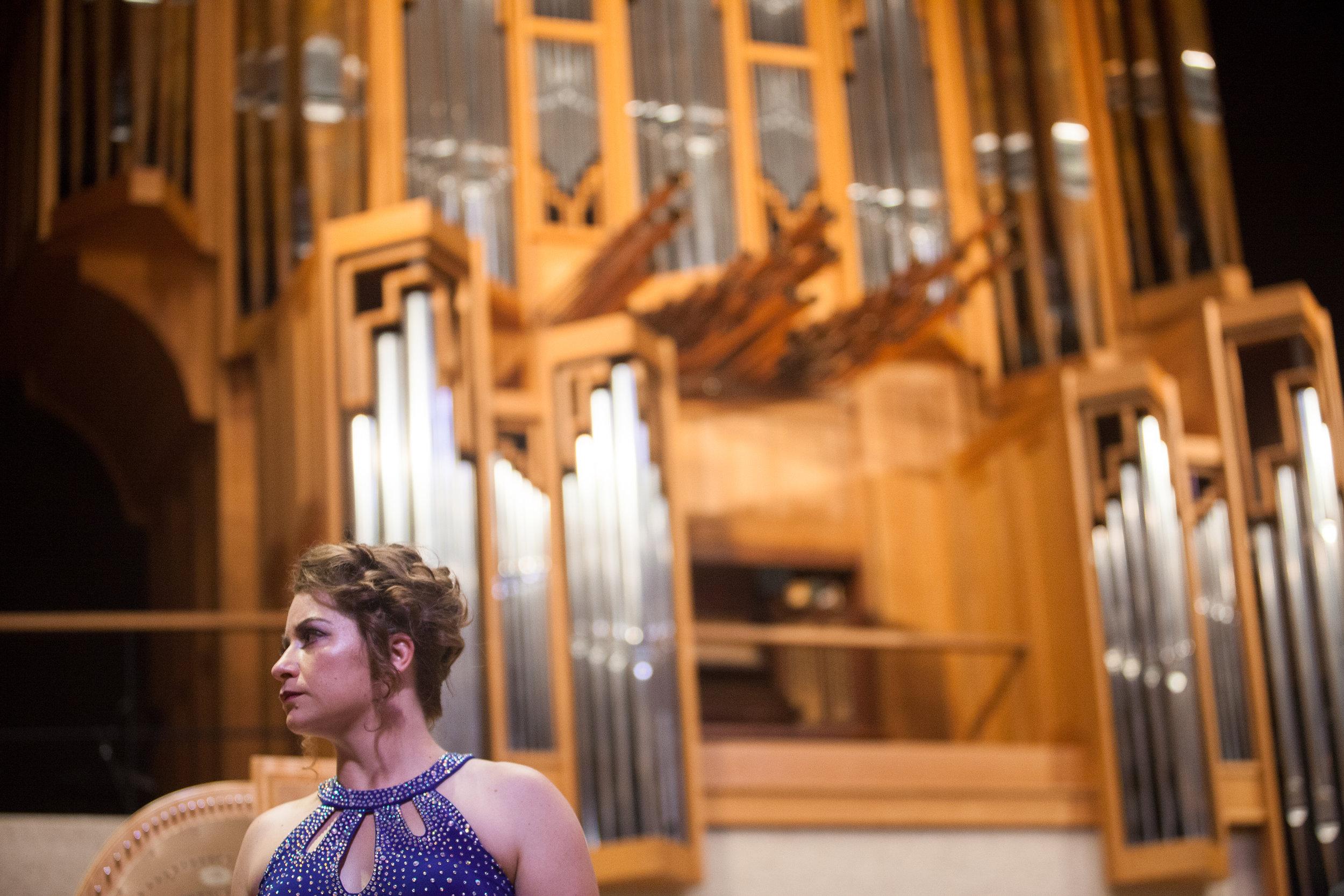 Ellie Jarret-Shattles, mezzo-soprano.