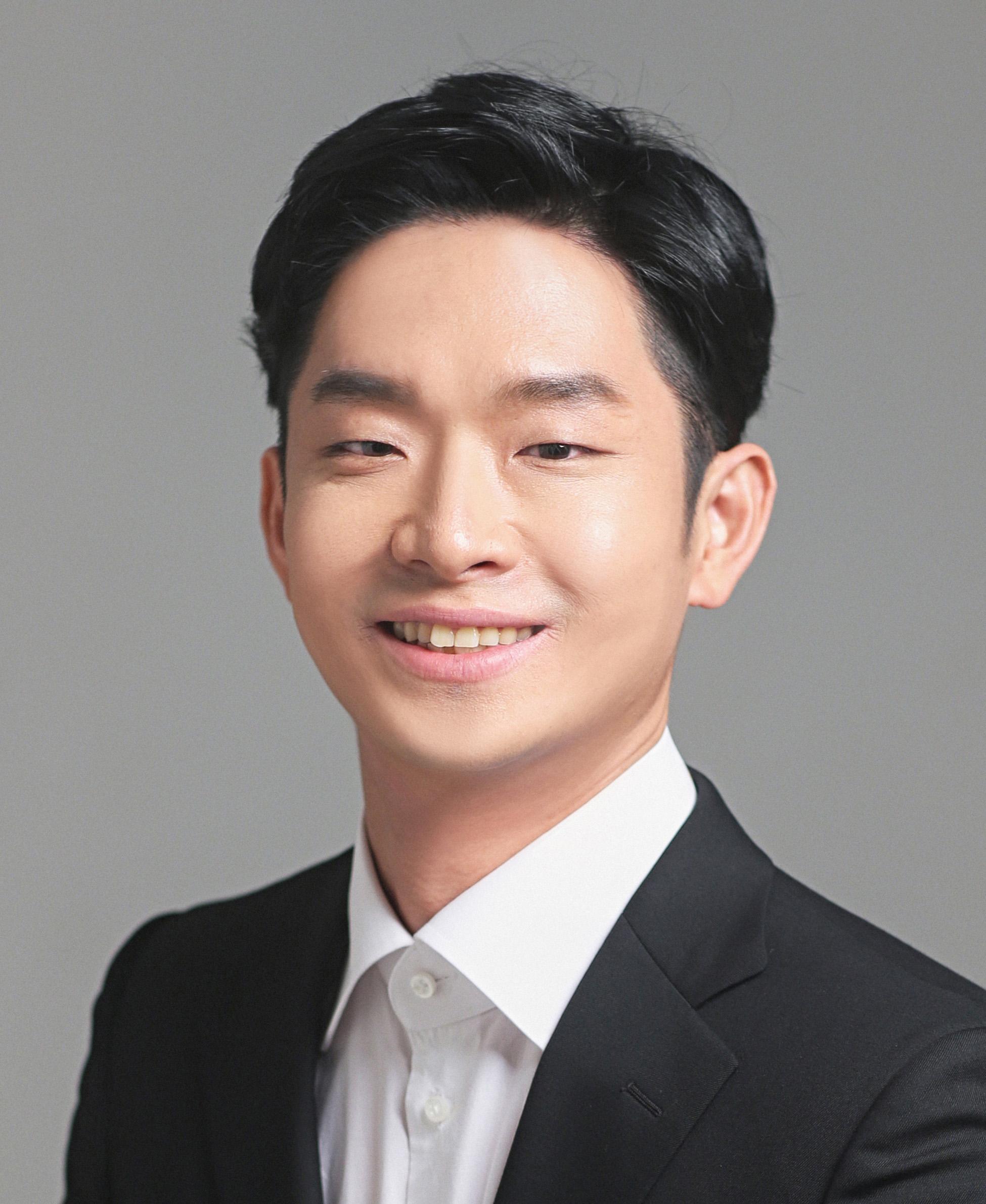 Daewon Seo, Baritone