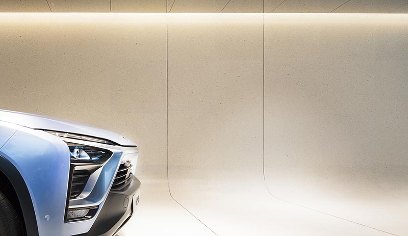 raamstudio-raams-architecture-studio-german-roig-garcia-architect-arquitecto-electric-car-coche-electrico-shanghai-china-nio-SHL_NIO-Showroom_@RawVision_10.jpg