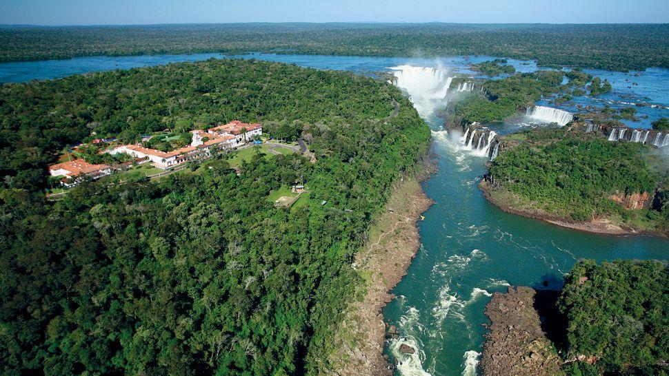 001836-01-hotel-exterior-waterfalls.jpg