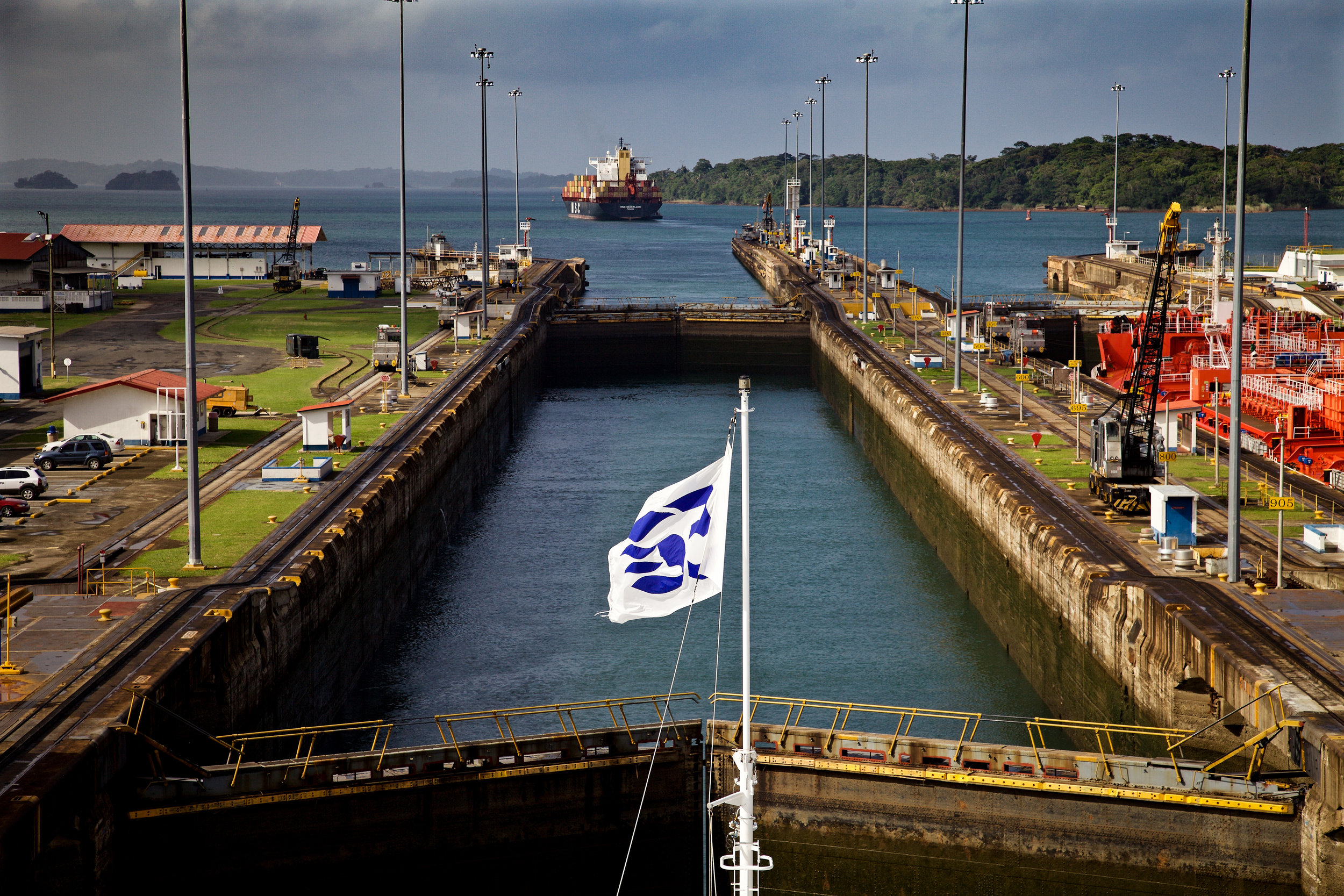 WC2015_Panama Canal_Gatun Locks_22-2.jpg