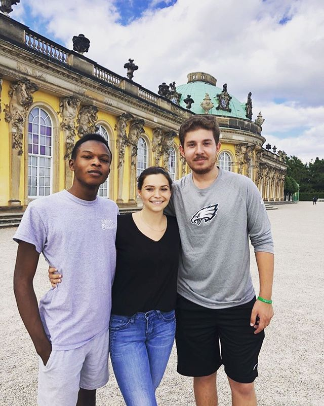 The start of classes next week has got us reminiscing about summer adventures & new friends.... This photo is from a day trip to Potsdam during the summer ICS program. Berlin was a city that took @jtshutes15 by surprise - between the rich history and laid back social culture, it definitely left a lasting impression. 🇩🇪 #ascj #uscannenberg #travelingtrojans #annenbergabroad #goabroad #changeyourlife