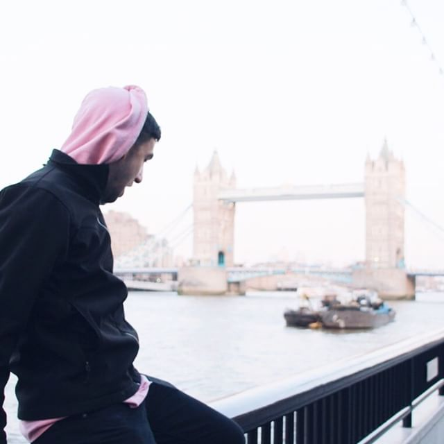 #fbf to @masonleib  by the London Bridge • Our Traveling Trojans just arrived in London earlier this week, so stay tuned for snippets of their adventures! #ascj #usc #studyabroad #travel #college #london