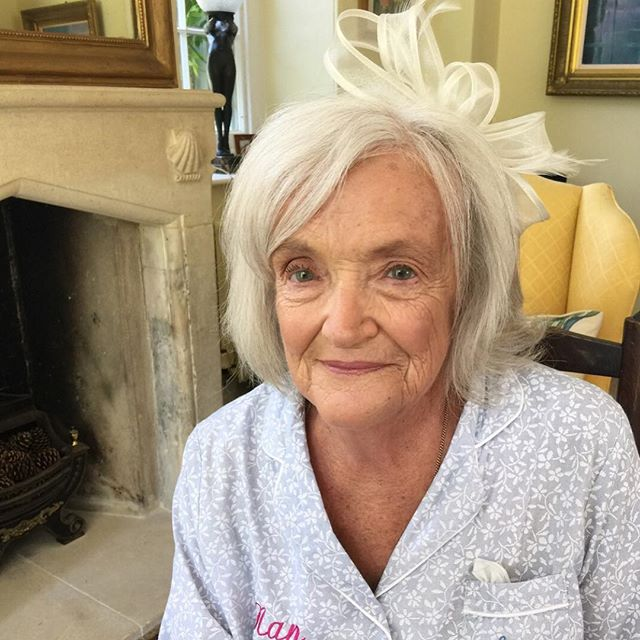 Some glam for gran too 🌷 It's such a pleasure talking to them & making them feel special 🦋 Lauren's nan wanted to look radiant & not too done up ✔️ They are such special parts of our lives that we can easily undervalue 🥰  What do you call your gran? Nan? Granny? 🌷