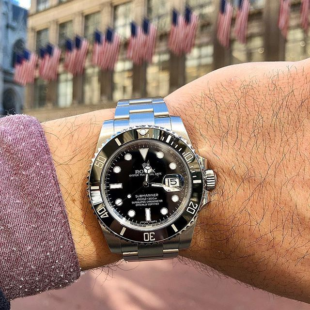 Friday vibes 🕶☀️🖤⌚️ • • • #TGIF #Wristroll #Rolex #Sub #116610LN #Swiss #Geneve #Gent #Travel #Weekend  #Style #Finejewelry #Elegance #Privatejeweler #Wholesale #Highend #Luxury #Love #Picoftheday #Fire #Bling #Brilliance #NYC #ASDgems
