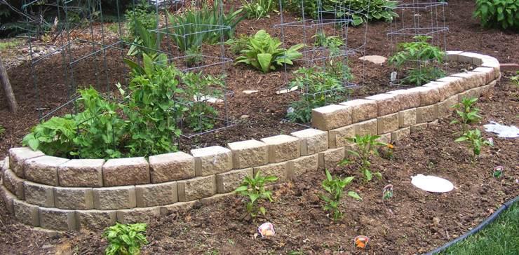 Edibles Garden by Midwest Gardening.JPG