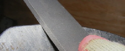 sharpen-tools-find-the-bevel by Midwest Gardening.jpg