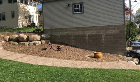 Garage bed by Midwest Gardening.jpg