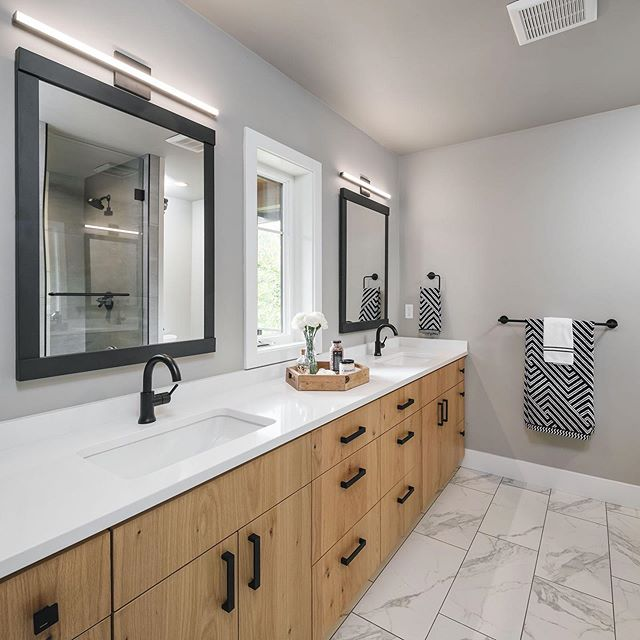 This is a master bath we finished using @caesarstoneus countertops. Love the pure white we used! What do y'all think? ✨