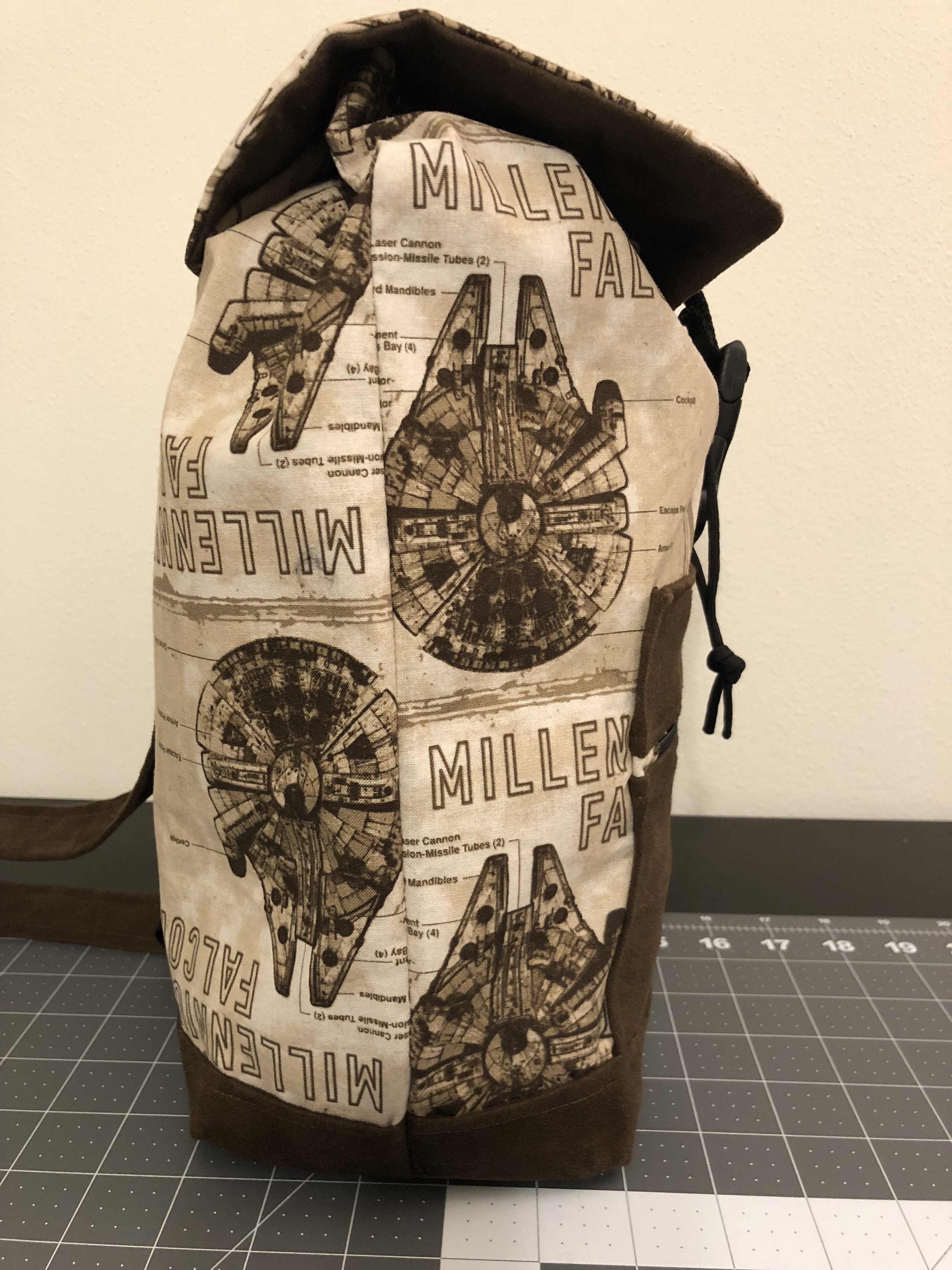 Millennium Falcon Backpack (Side)